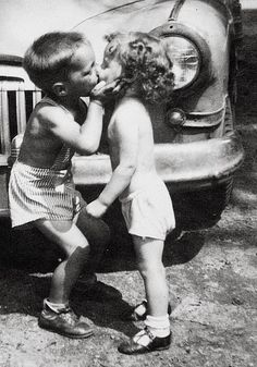 Funny pictures about Innocent kiss. Oh, and cool pics about Innocent kiss. Also, Innocent kiss photos. I Smile, Make Me Smile, Big Bisous, Young Love, Young Man, Stay Young, Jolie Photo, First Kiss, All You Need Is Love
