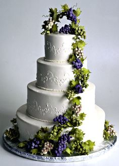 wine themed wedding cakes - Google Search LOVE THE FLOW OF THE VINE. VINE HOPS, GRAPES, CALA