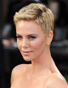 Charlize Theron Short bob hairstyle for blond textured hair