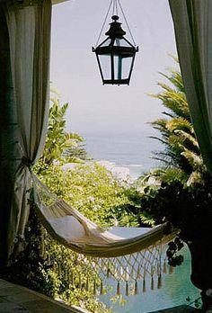 The place to be - Overlooking paradise - www.manushkayoga.com