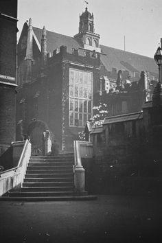 18 Vintage Photos Of Charles Dickens' London