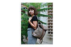 Bőr hátizsák Leather backpack #leatherbackpack #greybackpack #hátizsák #bőrhátizsák #bbag Leather Bags, Leather Tote Handbags, Leather Formal Bags, Leather Purses, Leather Bag, Leather Totes