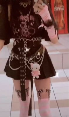 Pastel Goth Outfits, Pastel Goth Fashion, Edgy Outfits, Mode Outfits, Kawaii Fashion, Grunge Outfits, Cute Casual Outfits, Pretty Outfits, Swag Outfits
