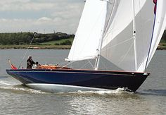 Spirit 50DH Classic Sailboat: this is the type of boat used in the Bond Movie Quantum of Solace