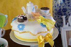 cha-de-panela-e-aniversario-economico-feijoada-bahia-decoracao-azul-e-amarelo (12)