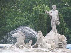 #paisajes #paisajesbonitos #madrid #madridcity #madridbonito Trident, Madrid City, Neptune, Greek And Roman Mythology, Skyline, Spain And Portugal, Travel Memories, Gods And Goddesses, Spain Travel