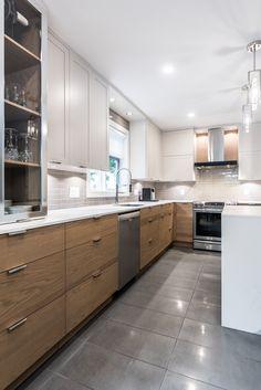 & & & & 37 - Simard Kitchen and bathroom White Oak Kitchen, New Kitchen, Kitchen Dining, Kitchen Decor, Modern Kitchen Cabinets, Kitchen Interior, U Shaped Kitchen, Küchen Design, English Country Kitchens