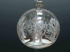 30 nápadů na vánoční dekorace za pár korun Christmas Balls, Christmas Ornaments, Bulb, Holiday Decor, Home Decor, Christmas Baubles, Decoration Home, Room Decor, Christmas Jewelry