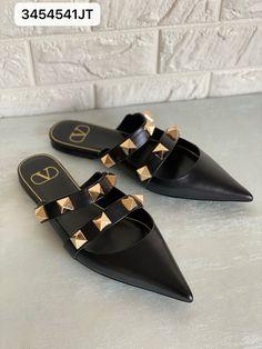 Valentino woman big studs sandals mule black Valentino Women, Valentino Shoes, Hermes Oran, Studded Sandals, Studs, Flats, Woman, Big, Fashion