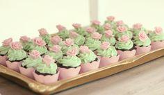 cha de bebê, baby shower, menina, girl, verde rosa e dourado, green pink and gold, mini cupcakes.