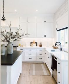 Happy Friday y'all 🙌🏼 Can we take a minute to talk about how stunning kitchen is? This is pure perfection in my eyes🌿 What's your favorite detail? Modern Farmhouse Kitchens, Home Kitchens, Home Decor Kitchen, Kitchen Interior, Modern Kitchen Design, Kitchen Remodel, Sweet Home, Furniture, Decor Room