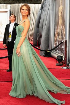 Maria Menounos at the Oscars 2012...I wish the side of the bodice wasn't cut out, but otherwise I love this