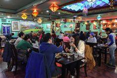 everest restaurant interior http://sweetandtastytv.com/2014/03/26/best-indian-food-in-seoul-korea/