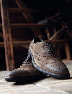 #Scarpa modello #Francesina coda di rondine , camoscio effetto vintage, fondo roccia. Dovetail #shoe, rubber bottom, suede. BUY NOW: http://store.angelonardelli.it/index.php?route=product%2Fproduct&path=34&product_id=14 #ANGELONARDELLI #scarpe #MadeinItaly