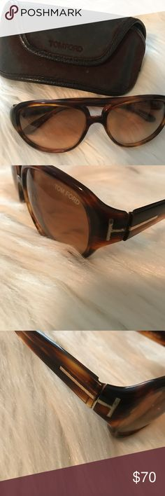 Tom Ford Buckley Tortoise Sunglasses Tom Ford 'Buckley' sunglasses, tortoise & gold color. I believe these are unisex, but not sure. I've seen them advertised as men's but I wore them and loved them 🤷🏼♀️ ! Good preloved condition. Wear and tarnish on gold hardware and minor scratching on lenses. Comes with case. Tom Ford Accessories Sunglasses