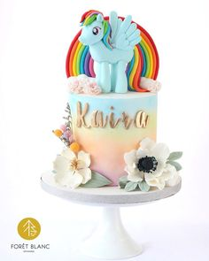 My Little Pony Cake, My Little Pony Birthday, Rainbow Dash Cake, Sugar Flowers, Pegasus, Unicorns, Party Planning, Party Themes, Birthday Cake