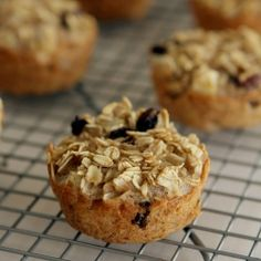 On the go: Apple Baked Oatmeal Cakes. Great for traveling, kid friendly PLUS it's gluten & dairy free!