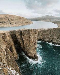 This looks so surreal Faroe Islands | Renee Roaming | #adventure #travel #wanderlust #nature #photography