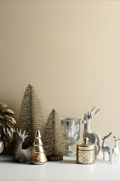 Metallic holiday decorations