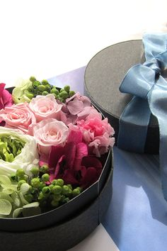 Preserved flower Pink プリザーブドフラワー アレンジメント ピンク ボックスフラワー http://www.fleuriste-glycine.jp/