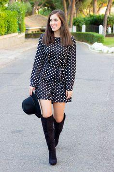outfit mono de topos con botas y sombrero #kissmylook