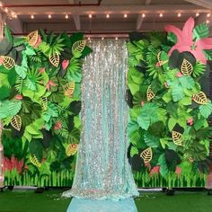 Handmade paper leaf tropical photo backdrop for our tropical tea party Jungle Theme Birthday, Jungle Theme Parties, Luau Theme Party, Hawaiian Party Decorations, Moana Birthday Party, Diy Jungle Decorations, Hawaiian Party Games, Kids Luau Parties, Jungle Theme Cakes
