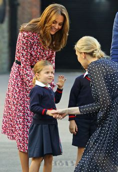 Princess Charlotte started school at Thomas's Battersea with big brother, Prince George, and was dropped off by parents Prince William and Kate Middleton Carole Middleton, Kate Middleton Pregnant, Kate Middleton Prince William, Kate Middleton Photos, Prince William And Kate, Princess Kate Middleton, Prince Philip, William Kate, Duchess Kate