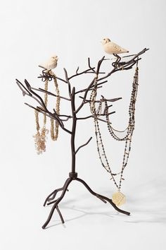 I love jewelry displays, especially when they incorporate birds
