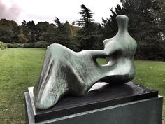 Henry Moore - Reclining Figure: Hand (1979)