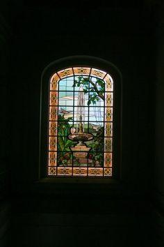 Um dos vitrais da área interna do imóvel: reparação custará 14,5 milhões de reais
