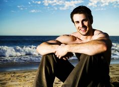 TEST - INSPIRATIONAL √ PHOTOGRAPHER - LOCATION AND LIGHT  √ MODEL - POSE  AND OUTFIT ------    Chris Evans. On the beach. That is all.
