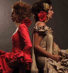 Trajes de Flamenca Spanish Fashion, Spanish Style, Gypsy Dresses, Girls Dresses, Spanish Dancer, Ballet Beautiful, Bad Hair Day, Couture Collection, Hair Jewelry