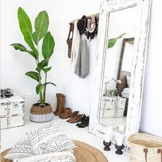 bedroom white bohemian boho naturals mirror bedroomideas basket candle whitecandle bohemian decor Converting simple rooms to modern bohemian bedroom styles Decoration Bedroom, Home Decor Bedroom, Master Bedroom, Bedroom Furniture, Budget Bedroom, Design Bedroom, Furniture Sets, Furniture Decor, Mirror Bedroom
