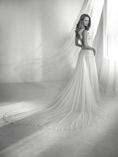 Wedding dress skirt movement - Pronovias 2018 Collection