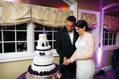 From a wedding at the Links at Union Vale, as seen in Westchester/Hudson Valley Weddings 2013 issue. Photography: Ulysses Photography. Cake: The Pastry Garden.