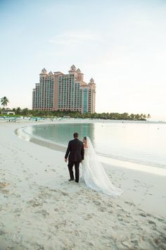 The Cove makes the perfect backdrop for a wedding stroll!
