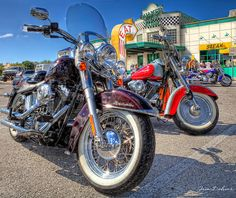 Harley's at Quaker Steak | Dohms Creative Photography