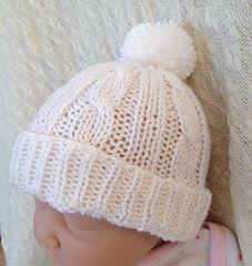 Baby Knitting Patterns Headband Ravelry: Cabled Baby Hat pattern by marianna mel Knitting Baby Girl, Baby Boy Knitting Patterns, Baby Hat Patterns, Baby Knits, Knit Patterns, Headband Pattern, Beanie Pattern, Crochet Baby Blanket Beginner, Beginner Crochet