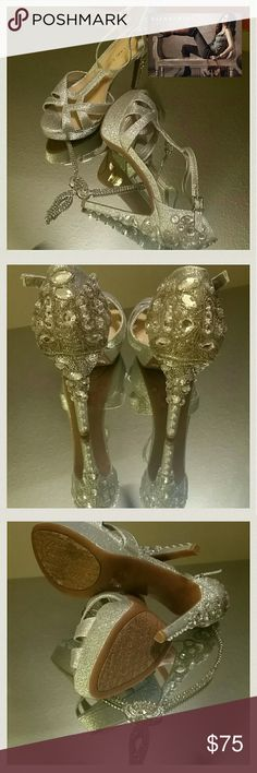 Spotted while shopping on Poshmark: New Condition! Gianni Bini Geneva Sandals-S…
