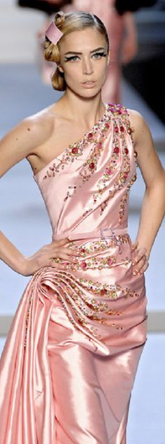 Christian Dior – fall 2007 – John Galliano Christian Dior – fall 2007 – John Galliano Admin See author's posts Related John Galliano, Galliano Dior, Dior Fashion, Couture Fashion, Runway Fashion, Beautiful Gowns, Beautiful Outfits, Glamour, Mode Style