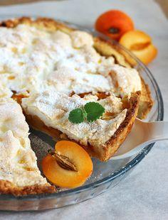 Apricot Pie with Meringue. Apricot pie with meringue (in Polish). I Love Food, A Food, Apricot Pie, Tasty, Yummy Food, Polish Recipes, Meringue, Summer Recipes, Favorite Recipes