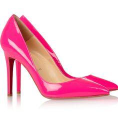 Ya tenemos el zapato blanco. Ahora a por los rosas, Zara (la vida de Laia depende de ello)