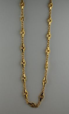 Fabulous Heavy Gold Plated never before worn Vintage Chain, Trifari hangtag. Fabulous addition to any vintage collection. Gold Chain Design, Gold Ring Designs, Gold Bangles Design, Gold Earrings Designs, Gold Jewellery Design, Mens Gold Bracelets, Gold Bangle Bracelet, Gold Jewelry Simple, Fine Jewelry