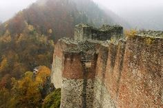 Poenari Castle was once the home of Vlad Tepes - (Vlad the Impaler) and is said to be one of the most haunted places in the world. Abandoned Castles, Abandoned Houses, Abandoned Places, Haunted Houses, Abandoned Mansions, Beautiful Castles, Beautiful Places, Oh The Places You'll Go, Places To Visit