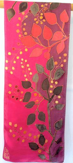Ręcznie malowane Jedwab Szal Red japoński Floral przez SilkScarvesTakuyo