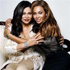 Mother and daughter, Beyonce and mom Tina Knowles Tina Knowles, Beyonce Knowles, Hollywood, Beautiful Black Women, Beautiful People, Beautiful Ladies, Simply Beautiful, Divas, Hugs