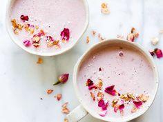 Pureed Food Recipes, Milk Recipes, Party Recipes, Vegan Recipes, Healthy Smoothies, Smoothie Recipes, Moon Milk Recipe, Rose Sangria, Strawberry Roses
