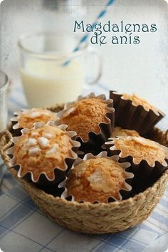 Receta de magdalenas de anís   -   Anise cupcakes recipe