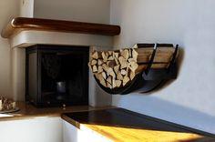 Indoor Firewood Rack: Elegant and Keep Clean — Best Furniture Decor Cheap Pergola, Diy Pergola, Indoor Firewood Rack, Log Wall, Wood Basket, Diy Fire Pit, Rack Design, Wood Interiors, Living Room With Fireplace