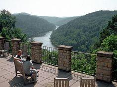 Dupont Lodge - Cumberland Falls Cabin Rentals - Cumberland Falls Lodging - Cumberland Falls State Resort Park - Moonbow
